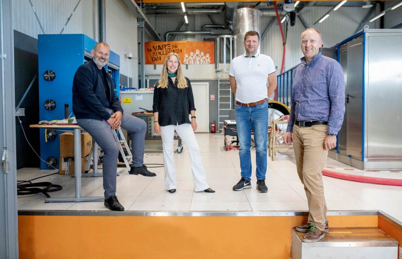 Tore Kallevåg, Karoline Sjøen, Øyvind Dale og Willie Wågen. Sustainable Energy Norsk katapultsenter. Bilete av dei tilsette. Foto: MARIUS KNUTSEN / NCE MCT